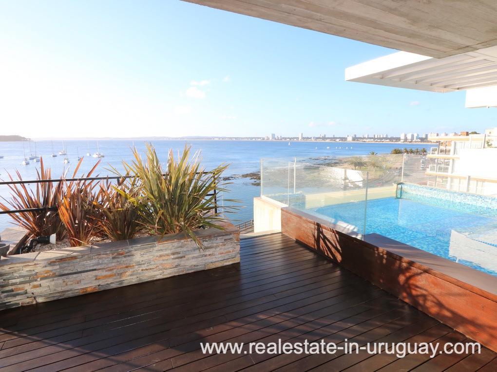 Terrace of Penthouse by the Punta del Este Harbor