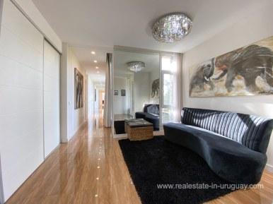 6854 Modern House on Laguna del Sauce - Entrance