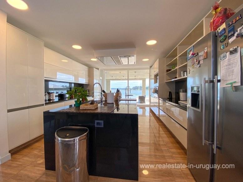 6854 Modern House on Laguna del Sauce - Kitchen2