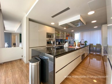 6854 Modern House on Laguna del Sauce - Kitchen3