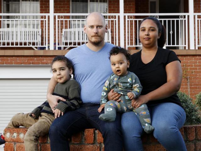 Familie worstelt met betaalbaarheid huisvesting