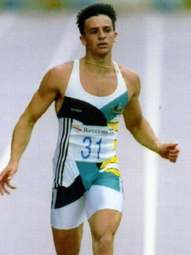 De Australiër Dean Capobianco wint maandag een manche van de 200 meter voor mannen in Barcelona. Capobianco's tijd was 20.86 03 aug 1992. (Copyright: Denis Paquin, AP Photo)