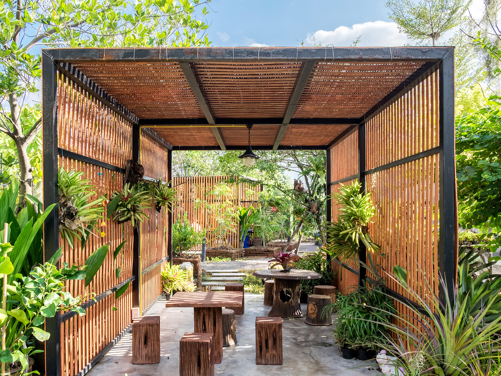 Tropical Garden Design Ideas To Inspire Your Outdoor Space ... on Tropical Backyard Landscaping  id=29700