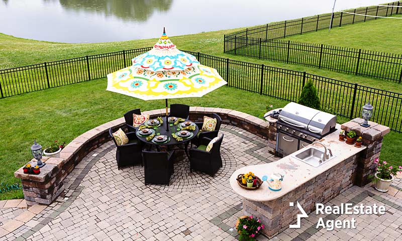 outdoor grill - gorgeous backyard