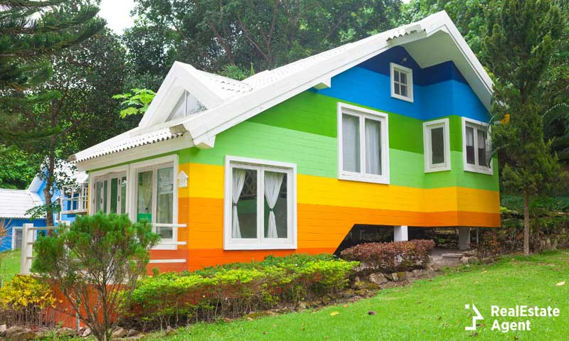 Is The Exterior House Color Affecting The Sale Of Your Home