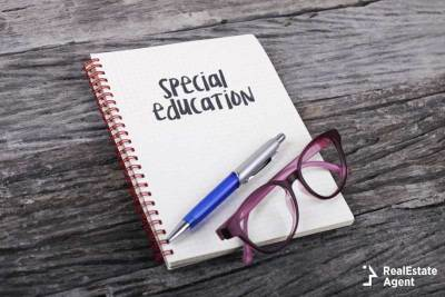 notebook with glasses for special education
