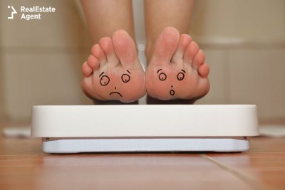 sad feet on the scale