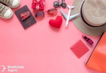 essential items for valentines day travel