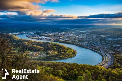 aerial view of chattanooga tennesse river