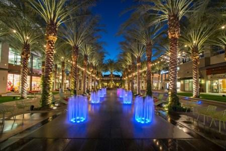 scottsdale arizona shopping center street