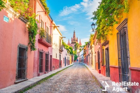 beautiful streets in mexico