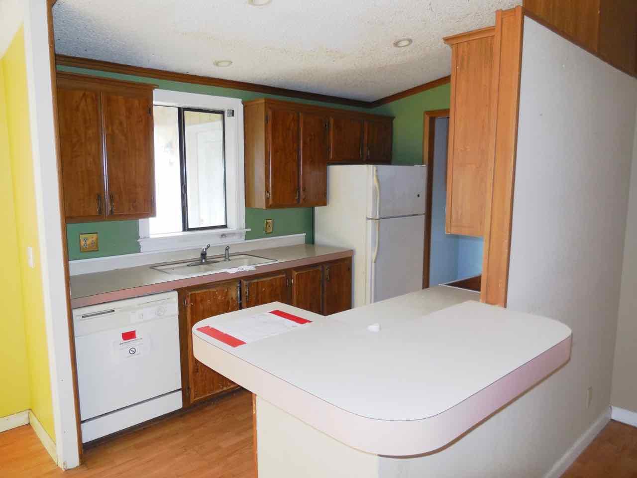 561-820190 kitchen (2)