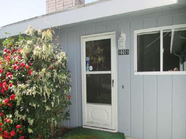 561-644875 – Front Door-640