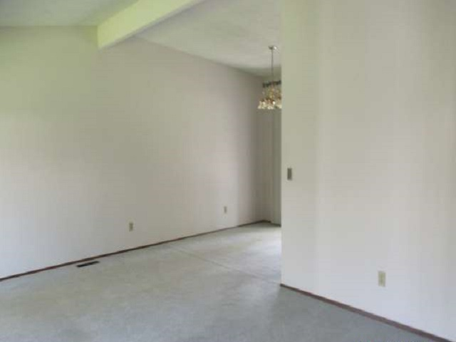 561-644875 – Living Room 01-640