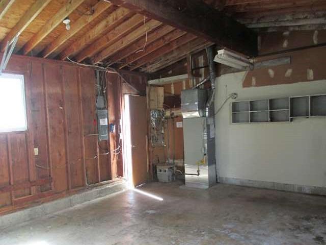 561-644875 – garage 02-640