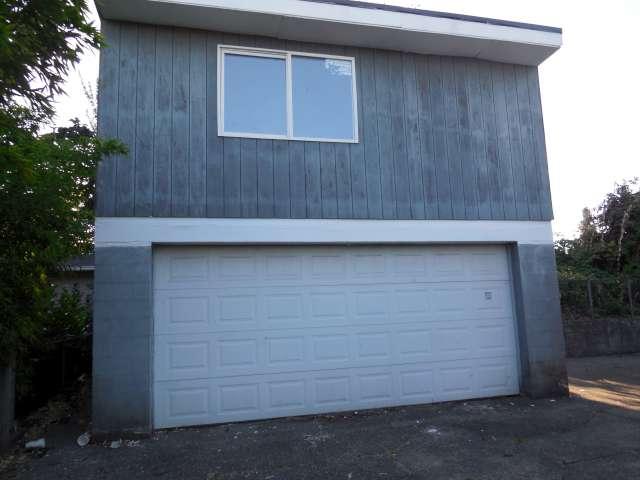 garage-561-881695-18