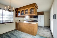 kitchen-cabinets Mariner's Cove Multi-Level View Home