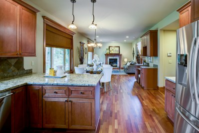 kitchen-dining-family Laurie Way Announces | Dumas Bay - Federal Way | 2824 SW 302nd Place, Federal Way WA 98023