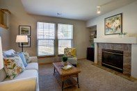 familyrm-fireplace Laurie Announces: Lynnwood Tri-Level
