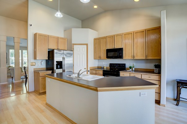 kitchen Laurie Way Announces | Lynnwood Tri-level | 2929 149th Pl SW