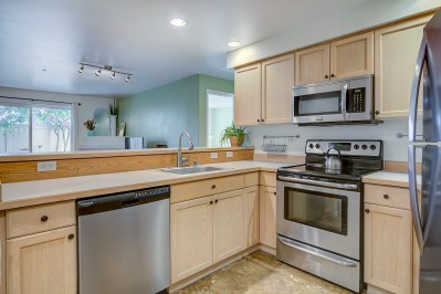 kitchen1 JUST LISTED - QUEEN ANNE CONDO WITH ROOFTOP DECK!