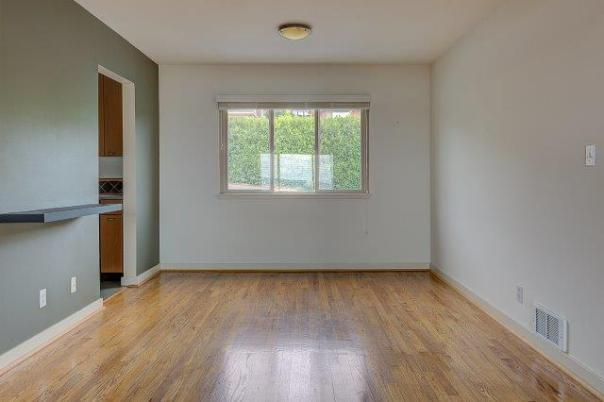 5-DINING-ROOM Just Listed