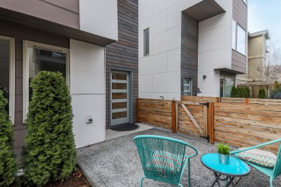 house-front-patio West Seattle Modern | 8141 Delridge Way SW