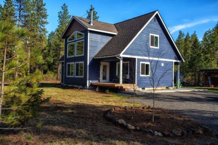 The Dungeness Cabin floor plan has a large  open concept    Dungeness Cabin vacation home