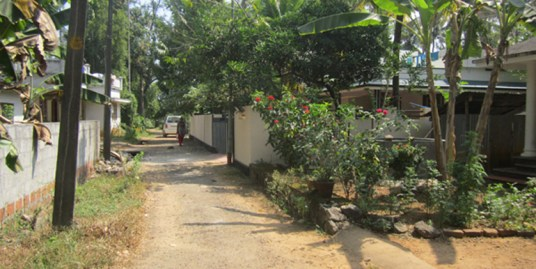 HOUSE FOR SALE AT ERNAKULAM DIST.