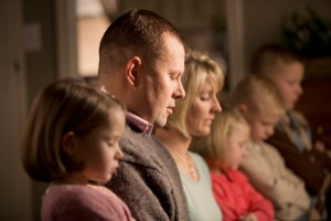 family-prayer-790193-gallery