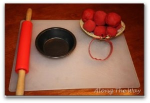 apple pie playdough craft