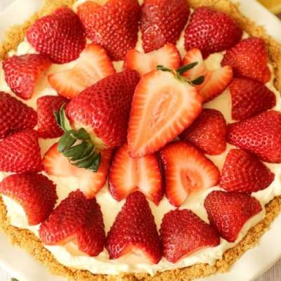 Easy, No Bake Strawberry Cheesecake