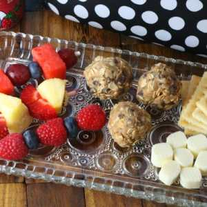 A Protein-Packed Lunch Option: No Bake Energy Balls {plus fruit kabob skewers - all easy enough for kids to make on their own!}