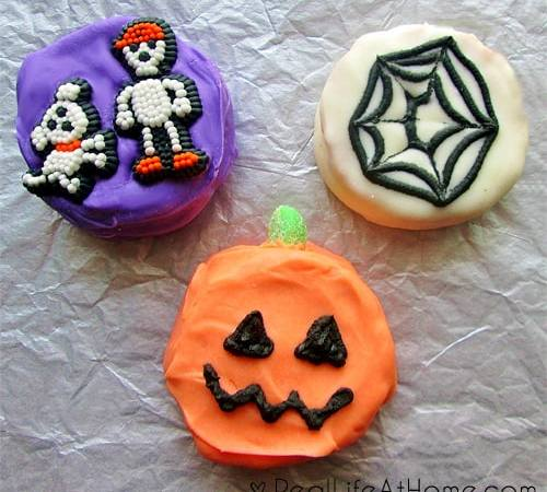 Easy Homemade Halloween Moon Pies