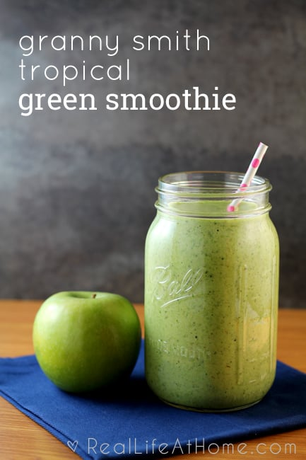 Granny Smith Tropical Green Smoothie {This is an awesome source of vitamins!}
