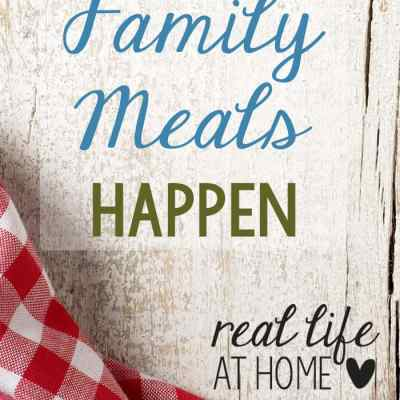 Busy schedules making family meals difficult? Here are some tips for making sure that shared family meals can happen!