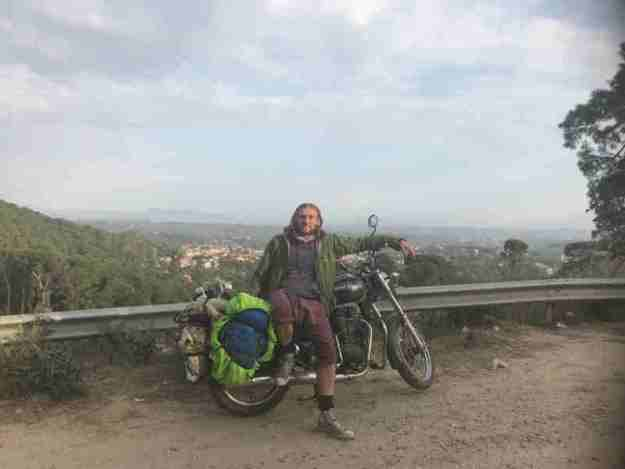 Riding a Royal Enfield Thunderbird 350 to Dharamshala