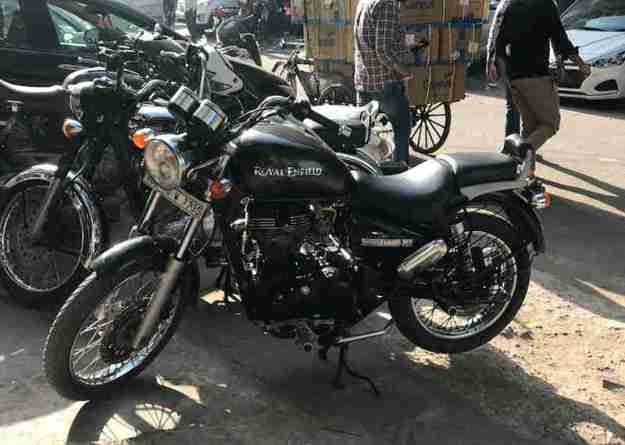 Royal Enfield Thunderbird 350 as seen the day we bought it in Karol Bagh