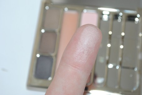 clarins-perfect-brows-palette-swatch