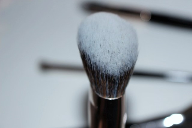 look-good-feel-better-makeup-brushes-angled-contour