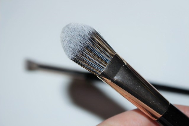 look-good-feel-better-makeup-brushes-foundation
