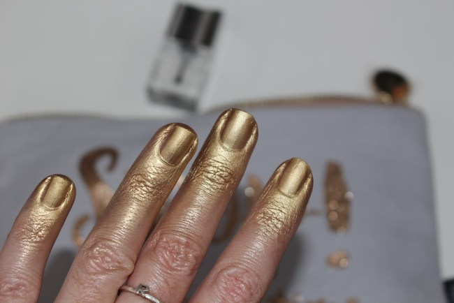 Nails inc Good as Gold Paint Can Spray by Lottie Tomlinson