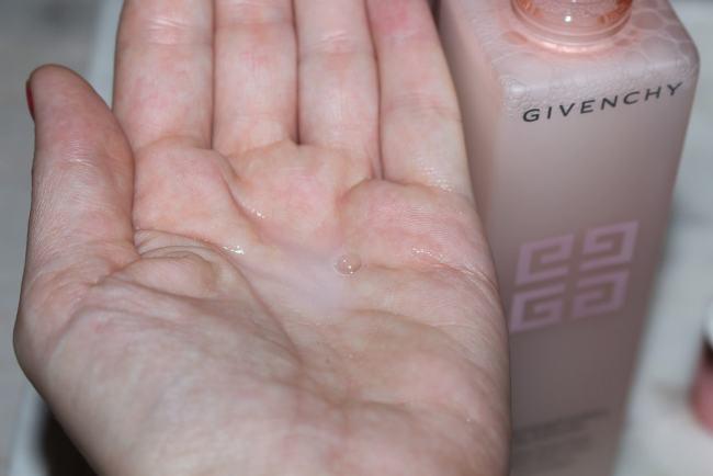 Givenchy L'Intemporel Blossom Compact Day Cream SPF15
