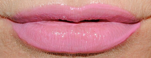 By Terry Lip Expert Shine Liquid Lipstick Swatch orchid cream