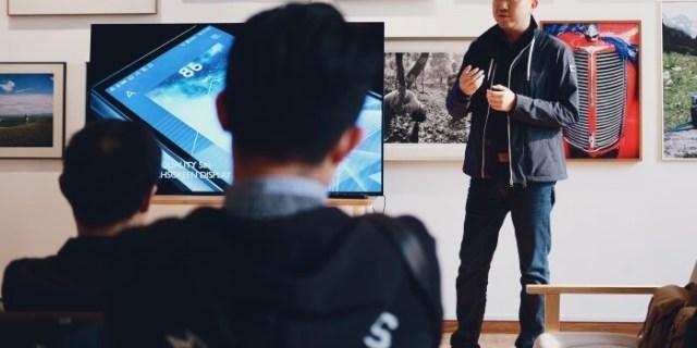 breaking the dress code - man giving presentation