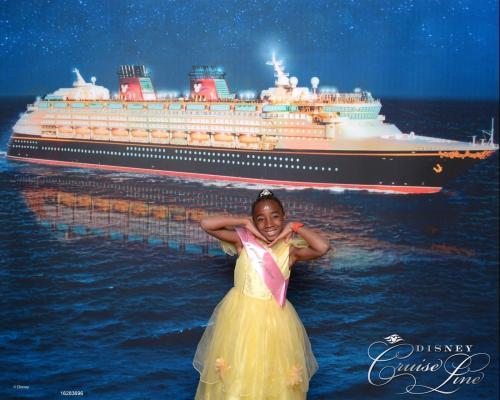 Bibbidi Bobbidi boutique on Disney cruise
