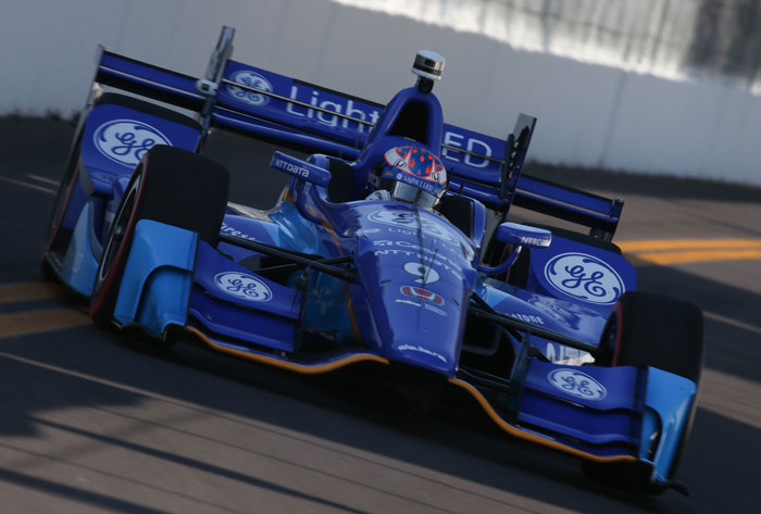 Scott Dixon sets up for Turn 10 during practice for the Firestone Grand Prix of St. Petersburg