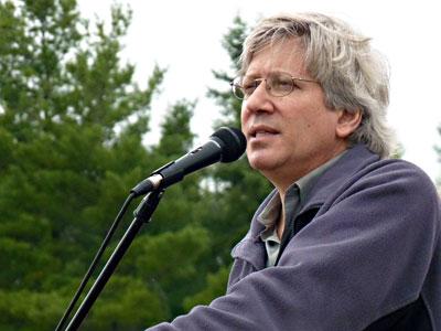 Jay Feldman speaks to a crowd of farmers