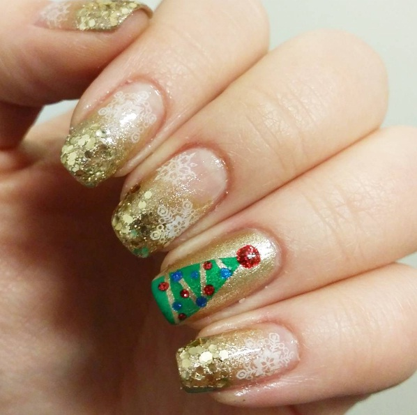 Create Miniature Christmas Trees Out Of Sparkly Emerald Green And Silver Nail Polish Prepare To Stun