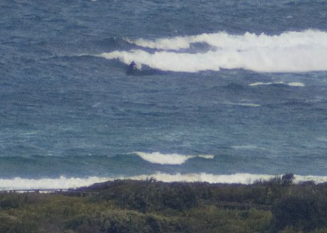 At around 10 after 4 there was one very keen person jagging a few junkers at Dee Why point.